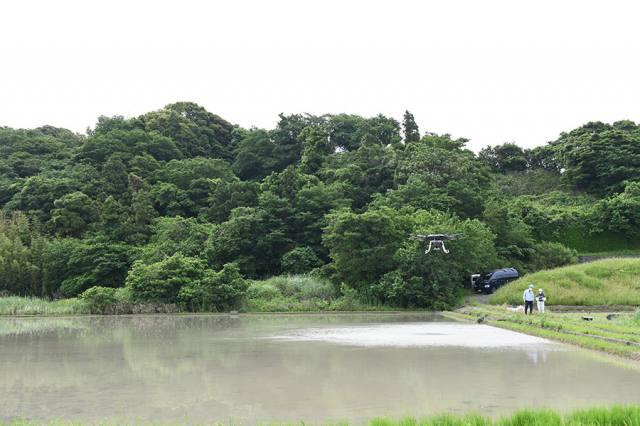 田植機入れぬ田んぼ YMR-08APで水稲直播 ~ヤマハ~