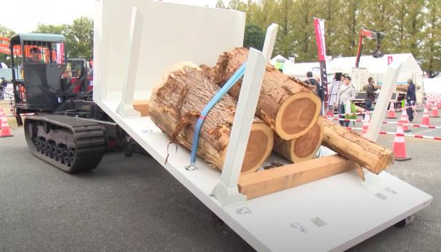 搬出作業の効率化に オリジナル運材機械展示 ~アクティオ~
